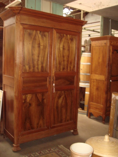 armoire haute en noyer fin 19eme brocante en ligne du. Black Bedroom Furniture Sets. Home Design Ideas